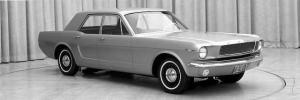 650_1000_Mustang-4-puertas
