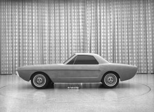 650_1000_Mustang-biplaza-1964